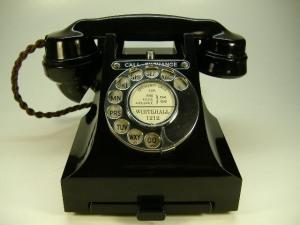 antique_telephones