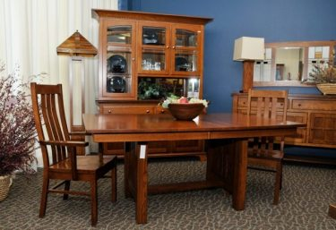 quarter-sawn-oak_mission_dining-table_hutch_7225-640x440